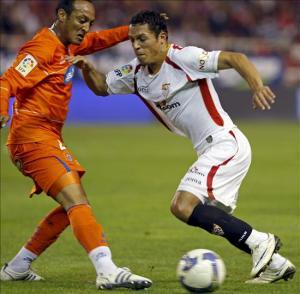 Adriano (derecha) se convertirá en el primer fichaje de Sandro  Rosell